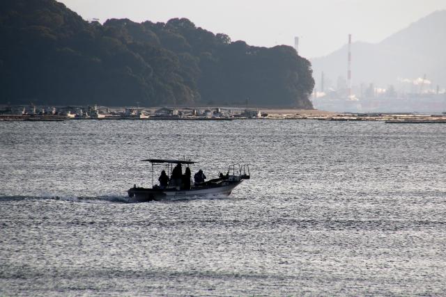 渡航中の漁船